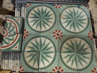 Rose des Vents vieux vert - carreaux ciment anciens - salvage concrete tiles - reclaimed cement tiles