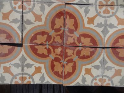 Rosace Forgée - carreaux ciment anciens - salvage concrete tiles - reclaimed cement tiles