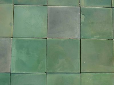 Vieux rouge - carreaux ciment anciens - Green salvage concrete tiles - reclaimed cement tiles